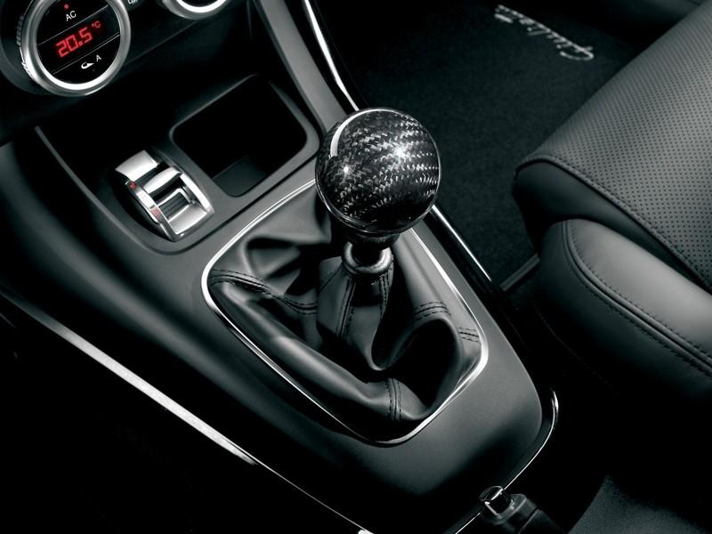 Alfa Giulietta Gear Knob Carbon Official UK Store - Alfa romeo shift knob