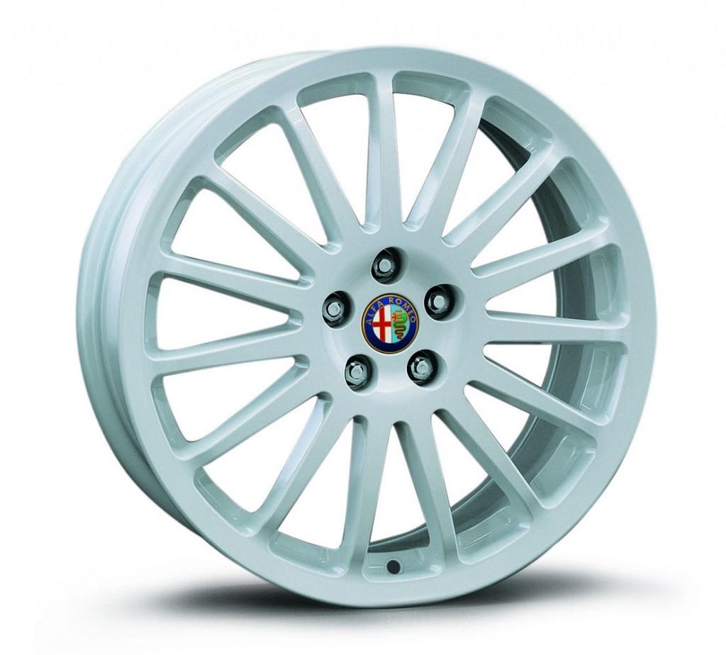 """Alfa 147 17"""" White Multispoke Alloy Wheel Kit"""