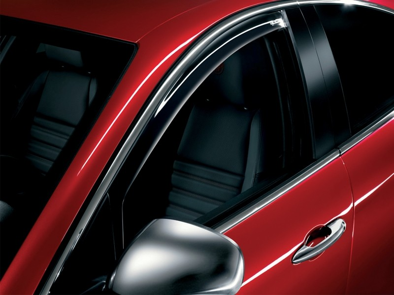 Giulietta Front Window Deflector Kit - Noise Reduction