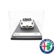 Genuine Alfa White 1: 43 Alfa 4C Scale Model